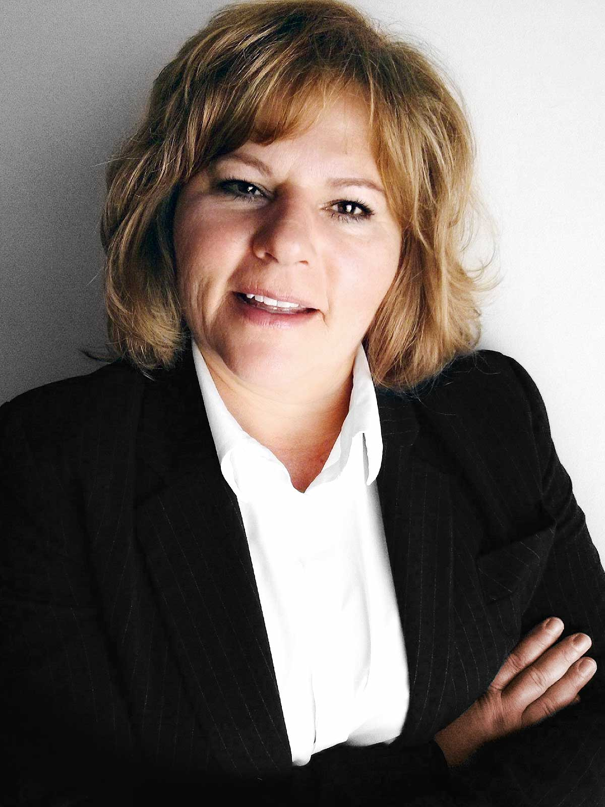 Suzan Stupack CEO Founder The Stak Co Winnipeg Manitoba Metis Entrepreneur Profile 1
